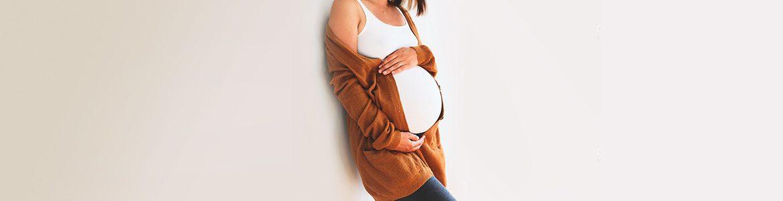 December-Blog-Header-Hormones+Pregnancy